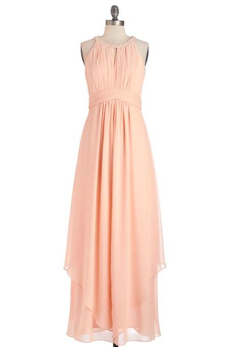 IHwZA6FdrrA - Актуальные в наступающем сезоне персиковые свадебные платья