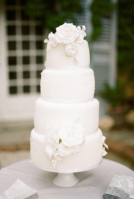 23 Белоснежных свадебных торта. Лучший из них торт на свадьбу. Ведущий на праздник, организатор торжества в Волгограде.  +7(937)-727-25-75  и  +7(937)-555-20-20