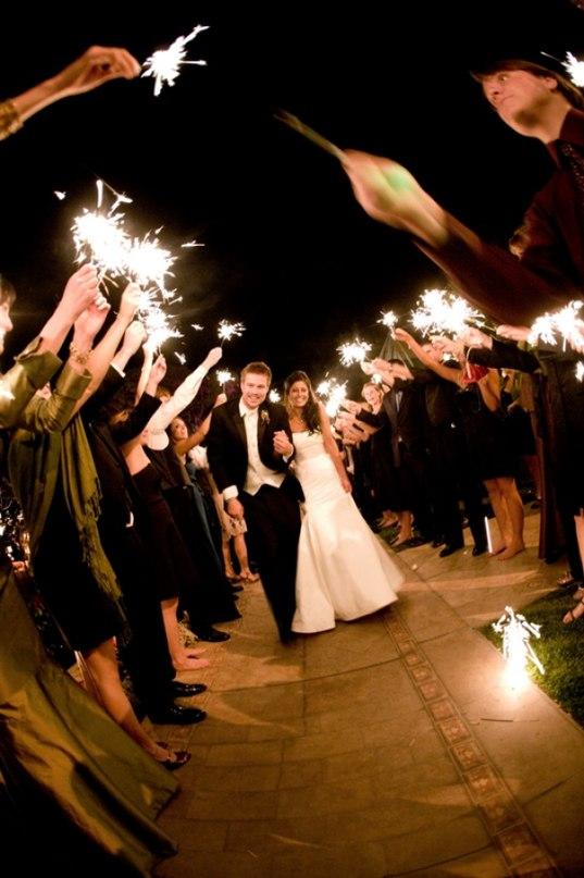 Так ли необходим ведущий или тамада на свадьбу в Волгограде. Ведущий на свадьбу в Волгограде - заказать услуги ведущего на мероприятие можно по тел: +7(937)-727-25-75 и +7(937)-555-20-20