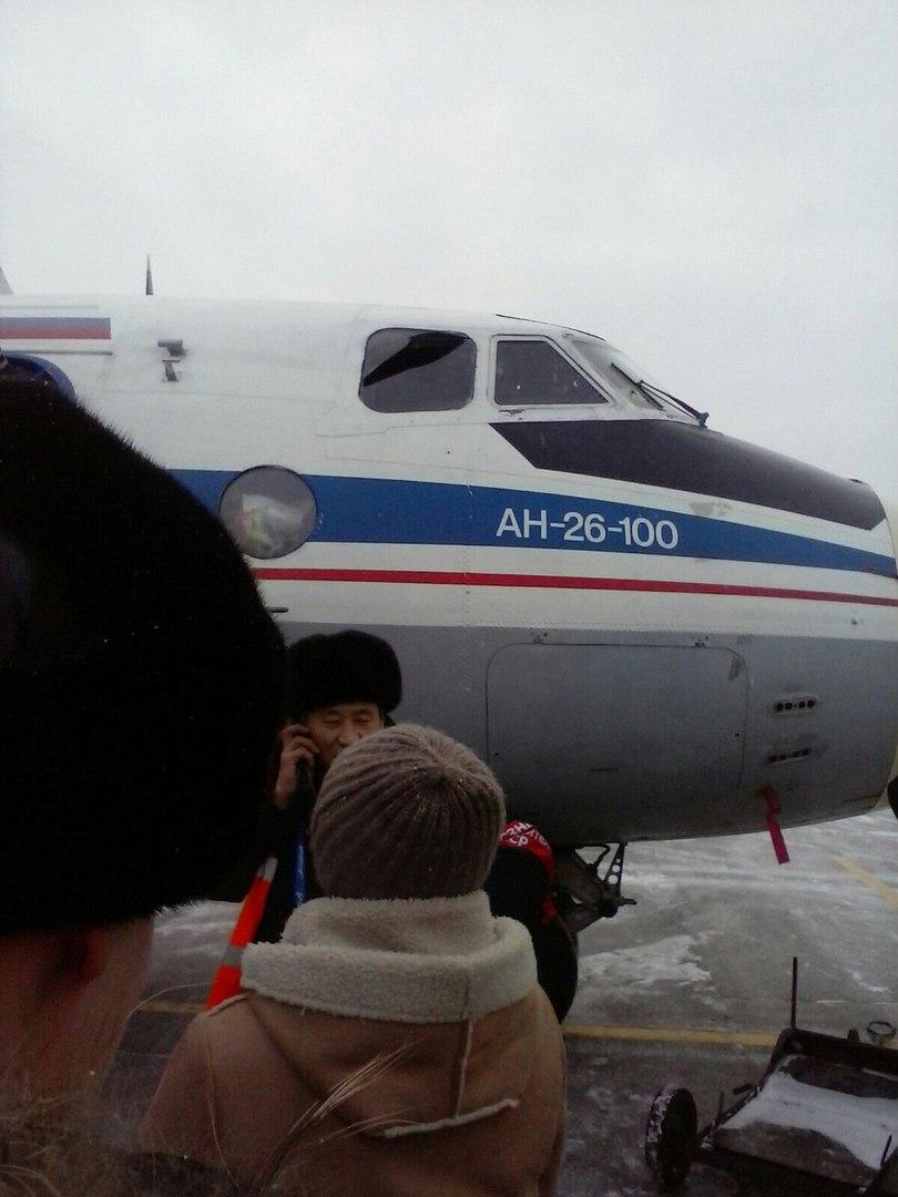 В Якутске при посадке самолета лопнули колеса