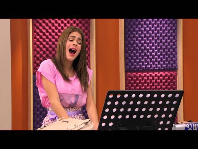 Violetta canta