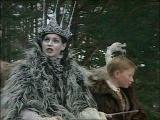 Хроники Нарнии: Лев, колдунья и платяной шкаф (1988) (4 серия)