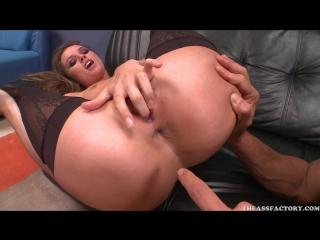 porno-s-tori-blek-anal-nachalnik-i-podchinennaya-erotika-yaponiya