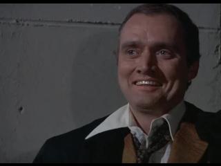 Kojak 1x10 Policia enjaulado