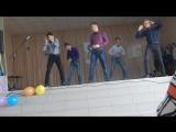 Танец мальчиков - зайчиков)))