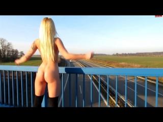 Секс на мосту порно фото 55-948