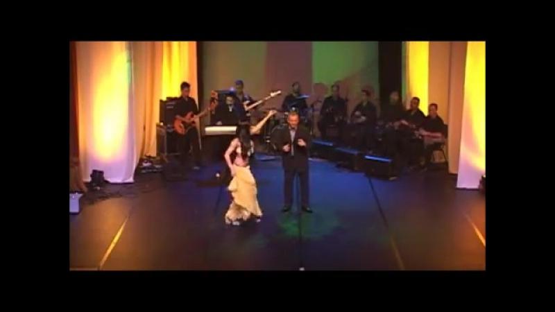 Aalíah no show de lançamento do cd vol.61 - Samya Farhan e Tony Mouzayek (ALI GA