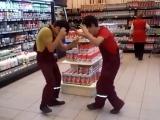 [ Мо точикем ] - Ракси точики дар супермаркети Москва
