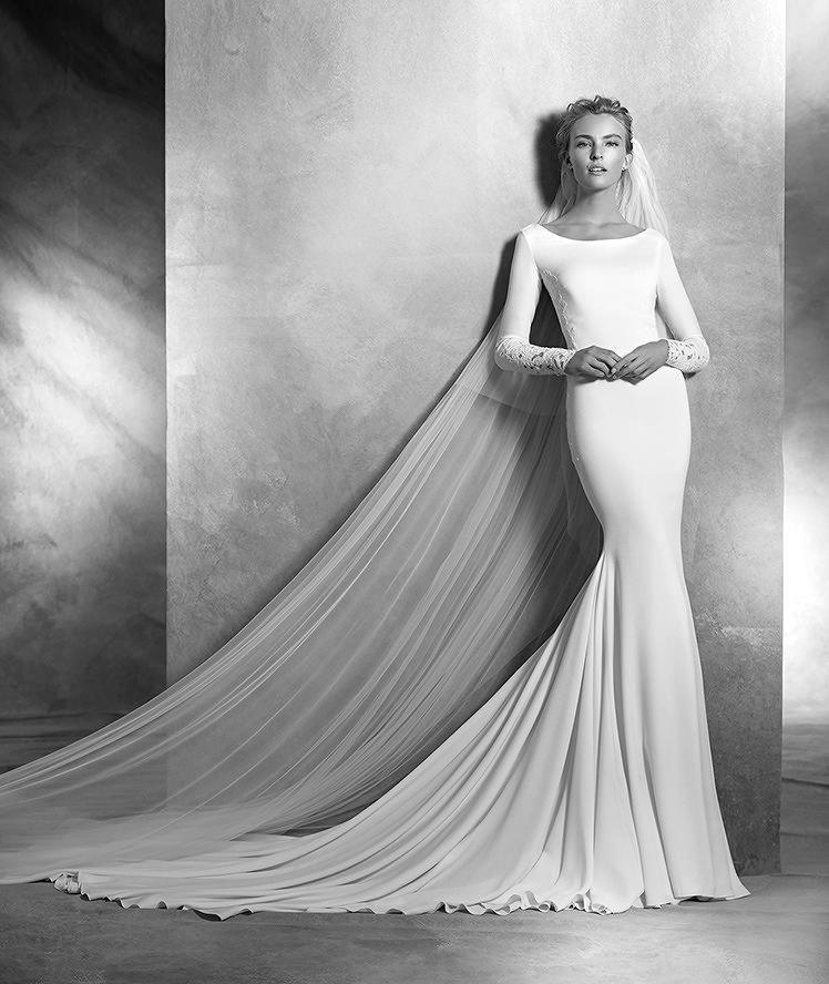 Белое платье с белой фатой слова
