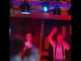 Видео-урок 1. Как правильно петь в караоке, или идите найух со своей рюмкой водки на столе!