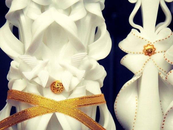 Свадьба в золотом стиле будет роскошной и сияющей, блеск золота, присутствующий всюду на таком торже...