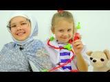 Смешные видео: Настя и Ксюша. Играем в доктора. Бабушка у врача. Маленькие собачки или Колбаса?