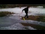 В бутсах на льду.прикол ржака тазы украина +100500 смешно футбол хоккей 2015 угар  вк взлом