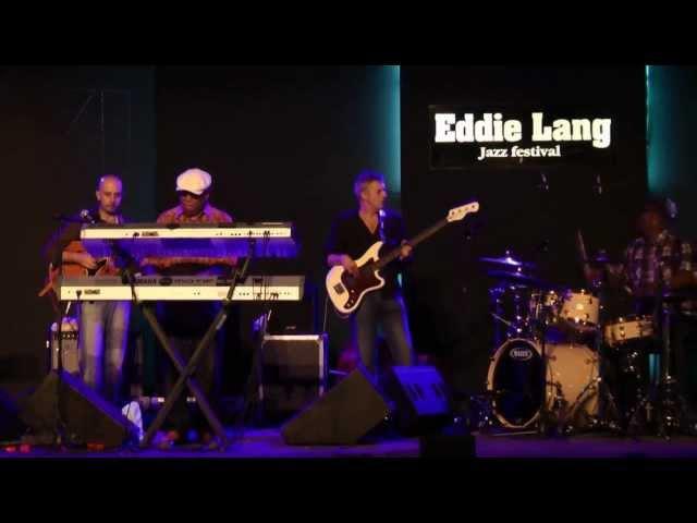 Lonnie Liston Smith w/Alessio Menconi, Massimo Moriconi, Lee Pearson @ Eddie Lang Jazz Festival 2011