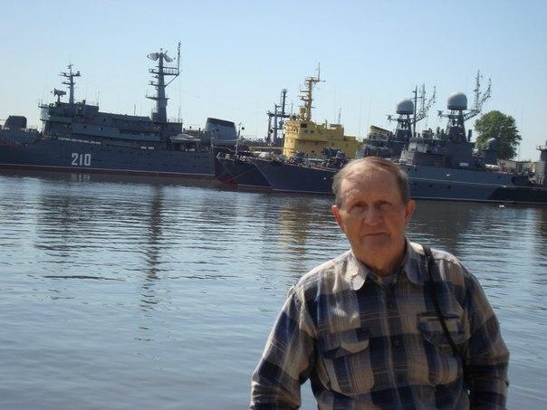 Николай Честнов: Кронштадт, июль 2015г. В морском порту.