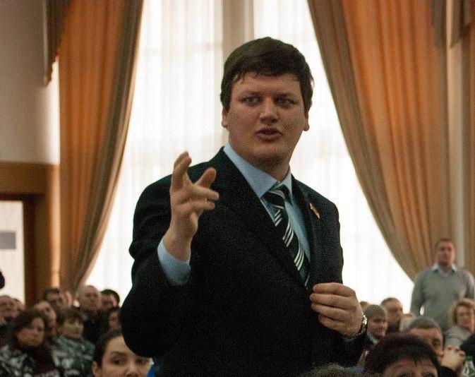 Депутат Дмитрий Ильченко самозванец?