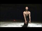 Korea, the best dancer ever!!! Peeping tom