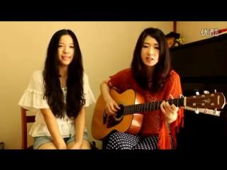 Девушки поют под гитару  на китайском! ,(Девушки с гитарой) .
