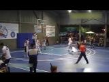 15-летний баскетболист с ростом 2.29 не замечает соперников
