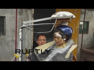 COOL  INVENTION :)  В Китае изобретено устройство для автоматического мытья головы :))