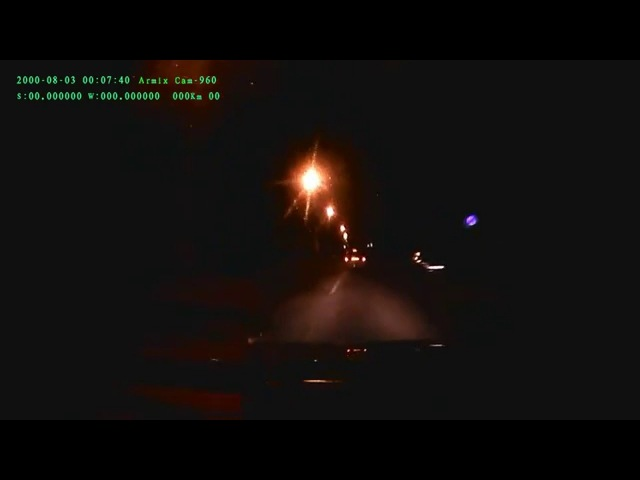 Гомель, ночь с 3 на 4 декабря 2015. Три машины ГАИ преследуют такси.
