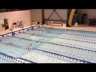 100 м комплексное плавание, я на 3-ей дорожке