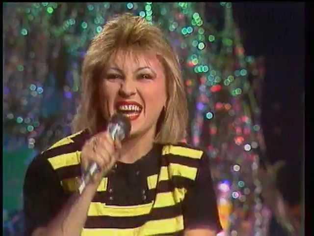 Валентина Легкоступова и группа Бревис - Капля в море (Песня года 1989 Финал)