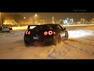 Nissan GTR Powerslide Accelerate + Donuts Drag Crazy