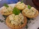 Сырный салат в корзиночках
