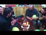 Карманный Абу (Koksal Baba/Köksal Baba)празднует очередной день рождения и задувает свечи