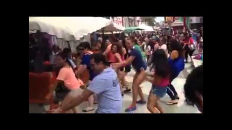 Egypt lovers Dancing on the Egyptian Song(Boshret kher)Creative