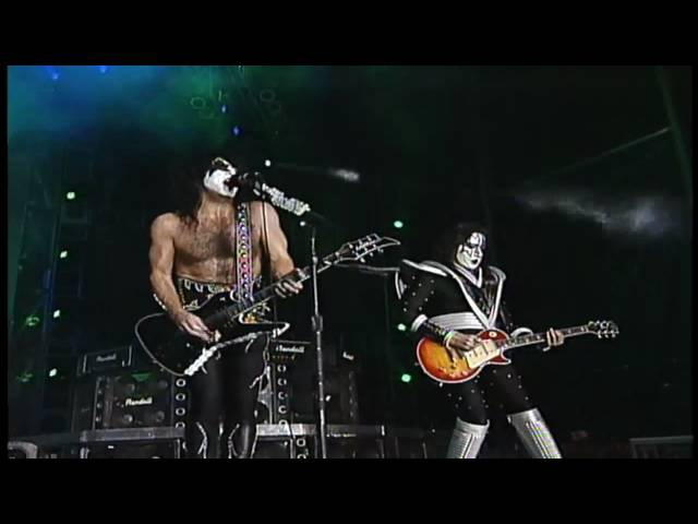 KISS - I Was Made For Lovin You (Live At Dodger Stadium) - 1998