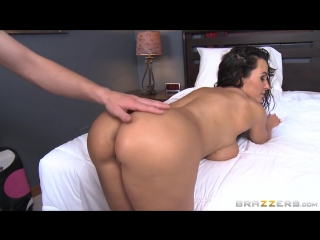 Stepmom Lends A Hand Lisa Ann Amp Jessy Jones