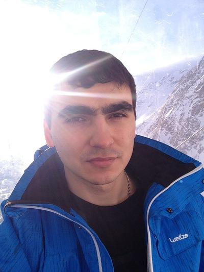 Илья Головешко