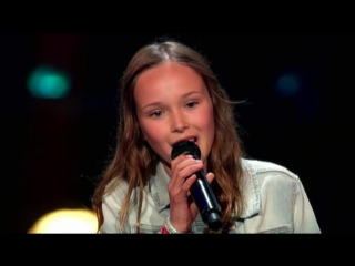 Britt – Lights ¦ The Voice Kids 2016 ¦ The Blind Auditions