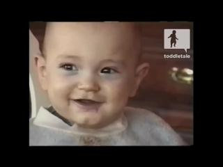Малыш смеется как дятел Вуди или как дельфин, лучшие приколы с детьми, полный мега ржач, январь 2015 (1)