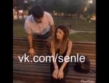 Азербайджанка ждет своего парня в парке. АЗЕРБАЙДЖАН , AZERBAIJAN , AZERBAYCAN , БАКУ, BAKU , BAKI , 2015