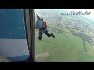 Прыжок с десантным парашютом Д5