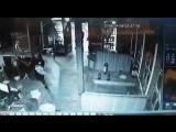 Убийство,Приморский край с.Галенки, Подросток Застрелили из ружья Мужчину в баре