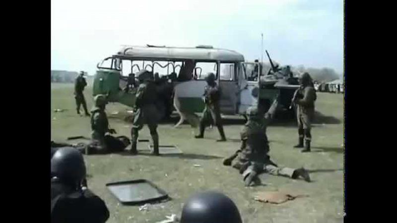 Казахстанский спецназ испытывает новое оружие шайтан палка