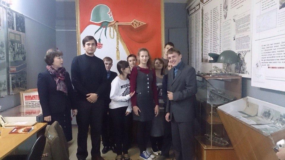 Молодые парламентарии продолжаются встречи со школьниками