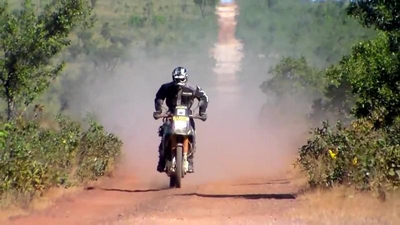 DR 800 Acelerando no Deserto do Jalapão