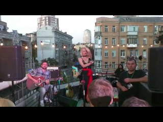 ALLOISE - Man Without A Heart (acoustic) @ Barbara Bar (rooftop)