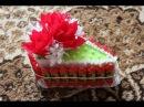 Как быстро и легко сделать кусочек торта из конфет на подарок