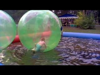 ...в тызике с водой жил мыльный пузырь!