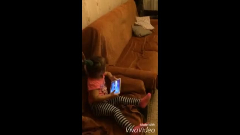 как отобрать у сестренки планшет