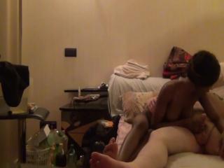 Русский порно-блоггер снимает домаху