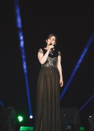 Концертные платья Дины Гариповой от Ксении Рыкалиной e834486f1cf