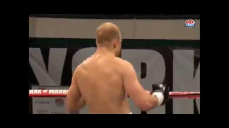 Дмитрий Кучер нокаутировал Энцо Маккаринелли в первом раунде!