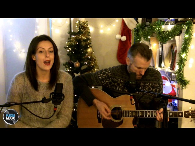Rockin Around The Christmas Tree - Brenda Lee - CHAINS acoustic cover